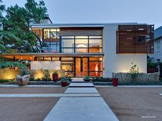 Architecture, Gorgeous Modern Home Dallas, Caruth Boulevard Residence By Tom Reisenbichler Featuring Large Courtyard With Concrete Entrance Path Plus Cool Garden: Astonishing Modern Home Style with Sustainable Technology in Texas Architecture Design, Architecture Résidentielle, Amazing Architecture, Sustainable Architecture, Design Exterior, Modern Exterior, Facade Design, Modern House Design, Beautiful Homes