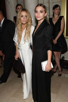 2007-CFDA-Fashion-Awards-ashley-and-mary-kate-olsen-20533610-1500-2250.jpg (1500×2250)