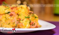 Fried Potatoes with Bacon and Onion Recipe Potato Onion, Romanian Food, Onion Recipes, Fried Potatoes, Bacon, Risotto, Cauliflower, Macaroni And Cheese, Fries