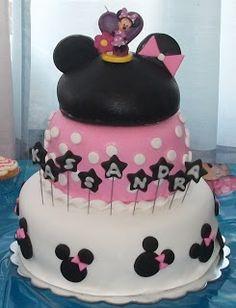 Dee's Cake Creations