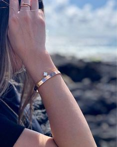 #vancleefalhambra hashtag on Instagram • Photos and Videos Dainty Jewelry, Simple Jewelry, Luxury Jewelry, Jewlery, Jewelry Accessories, Layered Bracelets, Love Bracelets, Bangle Bracelets, Bvlgari Necklace