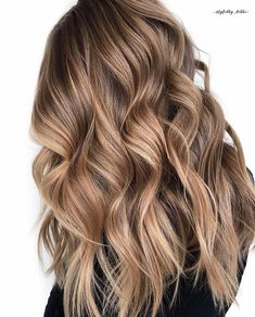 Saturday inspo 😍 By @styledby_debbe Cool Brown Hair, Light Brown Hair, Brown Hair Colors, Brown Hair Balayage, Brown Hair With Highlights, Hair Color Balayage, Color Highlights, Caramel Balayage Highlights, Balayage Hair Brunette Caramel