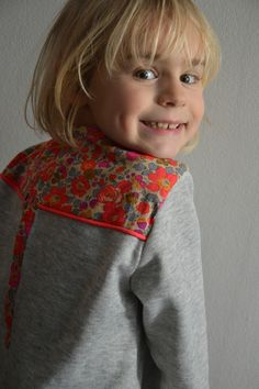 * my sweety sweat * - Mapruneceleste Sewing Clothes, Diy Clothes, Little Girl Fashion, Kids Fashion, Well Dressed Kids, Creation Couture, Couture Tops, Cute Outfits For Kids, Sewing For Kids
