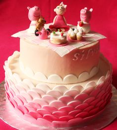 Pink Peppa Pig chocolate cake with chopped hazelnuts and milk chocolate ganache filling  http://passionecupcakes.blogspot.it/