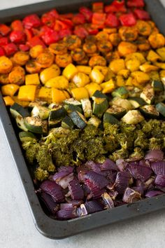 Healthy Recipes Oil Free Rainbow Roasted Vegetables More - These oil free rainbow roasted vegetables are so delicious, healthy, low in fat and easy to make. It's one of my favorite side dish recipes! Side Dish Recipes, Vegetable Recipes, Vegetarian Recipes, Healthy Recipes, Vegetarian Grilling, Healthy Grilling, Whole Food Recipes, Cooking Recipes, Cooking Tips