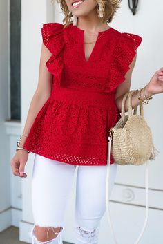 Peplum Top Outfits, Casual Outfits, Peplum Tops, Lace Peplum, Blouse Styles, Blouse Designs, Fashion Pants, Look Fashion, Modest Fashion