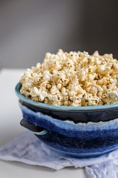 Ethiopian Style Spicy Popcorn Recipe - With all the flavour of Berbere made for salted popcorn. This is a MUST HAVE movie snack. <yoastmark class='yoast-text-mark'>So easy and moreish!</yoastmark> Vegetarian and Vegan. | wandercooks.com