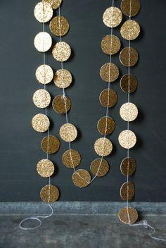 gold circles