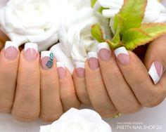 #french  #white #nails naildesign Meine Kollegin Haleh hat sich diesmal für ein strahlend weißes French-Design entschieden - gefallen Euch auch solche schlichten Nägel oder muss es bei Euch knallig & bunt sein? Eure Martina