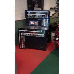 Jukebox ENTERTAINER de la fameuse marque SEEBURG - 2 490,00 €  #Jeux #JukeBox