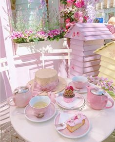 Tea time White your girlfriends' its sumer of the year' in joy' Everyday is a good day' have fun' girls' Boutique Patisserie, Schönheitssalon Design, Comida Picnic, Peggy Porschen Cakes, Pink Cafe, Pink Sweets, Deco Rose, Jolie Photo, Everything Pink