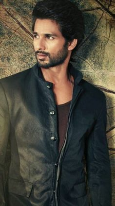 shahid kapoor best awesome and fabulous images hd wallpapers photos and pictures and shahid pictureskapoor body - GALAXY PICTURE #Celebrities