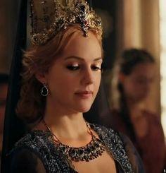 Turkish People, Turkish Actors, Medici Masters Of Florence, Meryem Uzerli, Roman, Turkish Fashion, Turkish Jewelry, Ottoman Empire, Perfect Woman