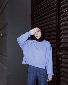 174 alternatives to shopping fast fashion – page 3 Modern Hijab Fashion, Street Hijab Fashion, Hijab Fashion Inspiration, Muslim Fashion, Ootd Fashion, Korean Fashion, Fast Fashion, Casual Hijab Outfit, Ootd Hijab