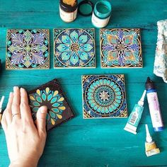 Mandala Art by Dot Art Painting, Mandala Painting, Pottery Painting, Ceramic Painting, Ceramic Art, Diy And Crafts, Arts And Crafts, Decoration Plante, Mandala Dots