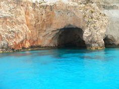 Keri caves (perfect for cave diving), Zakynthos, Greece mu hubby would love this Cave Diving, Scuba Diving, Oh The Places You'll Go, Places To Visit, Backpack Through Europe, Ocean Shores, I Love The Beach, A Whole New World, Greece Travel