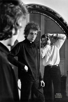 Bob Dylan et Daniel Kramer dans un miroir, New York, 1965 © Daniel Kramer