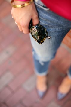 another day, another way (to style slouchy jeans) Distressed Jeans Outfit, Jean Outfits, Look Cool, Stylish, How To Wear, Fashion, Denim Outfits, Moda, Fashion Styles