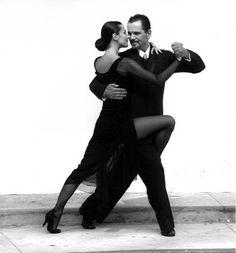 b&w tango