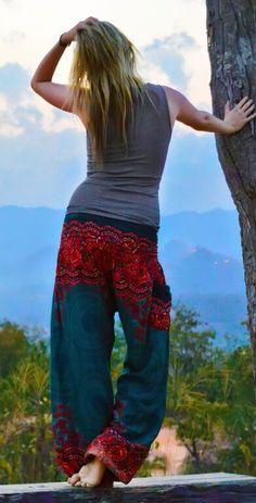 Printed harem pants - easy to pack and look great wherever you go! (Pinterest: @OneTribeApparel)