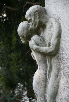 The Last Kiss, at the beautiful Zentralfriedhof Central Cemetary in Vienna, Austria. Cemetery Statues, Cemetery Art, Angel Statues, Art Amour, Amour Éternel, Inspiration Artistique, Art Sculpture, Oeuvre D'art, Erotic Art