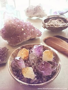 Crystals // Healing properties // Gem Stones // Meanings // Chakra Balancing // Spiritual // Earth Energy // Crystal Point Garden ~ Amethyst and the Moon Crystal Magic, Crystal Grid, Crystal Healing, Crystal Shop, Amethyst Crystal, Amethyst Jewelry, Crystals And Gemstones, Stones And Crystals, Gem Stones