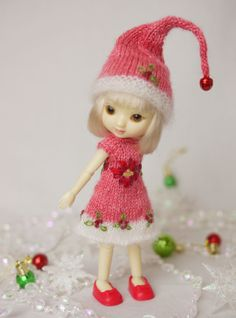 """""""Holiday Spirit Elf"""", a hand knit (custom dyed baby alpaca/silk and white mohair/silk) and embroidered Christmas elf set for tiny 4"""" Amelia Thimble."""