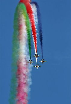 Aerobatics is a fun-to-watch stunts and flight maneuvers executed by professional pilots around the world. They usually perform in several air shows by teams pr Airplane Photography, Amazing Photography, National Flag India, All God Images, Indian Flag Wallpaper, Air Show, Star Wars Art, Great Photos, Amazing Photos