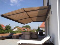 De ZRS is een hoogwaardige zonnescherm met dubbele helling en dus een perfecte  bescherming tegen de zon en regen. http://www.veldmanzonwering.nl/zon-en-regenwering/zonnescherm-regenscherm-zrs/