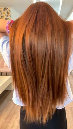 Red Orange Hair, Hair Color Purple, Hair Color Streaks, Red Brown Hair, Red Hair With Dark Roots, Fall Hair Colors, Dark Brown, Ginger Hair Dyed, Ginger Hair Color