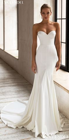 Simple mermaid style wedding dress with elegant strapless sweetheart neckline | Contemporary bridal gown for the modern minimalist bride | Eva Lendel Wedding Dresses 2021- Less is More Collection -Cory - Belle The Magazine. See more gorgeous bridal gowns by clicking on the photo Famous Wedding Dresses, Dream Wedding Dresses, Bridal Dresses, Wedding Gowns, Ivory Dresses, Wedding Bride, Wedding Stuff, Perfect Wedding Dress, Boho Wedding Dress