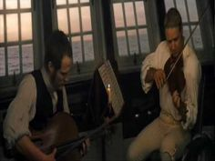 Master and Commander. Russell Crowe, Paul Bettany interpretando a Boccherini: Música nocturna de las calles de Madrid