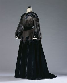 Day Dress Jeanne Paquin, 1900 The Kyoto Costume Institute - OMG that dress!