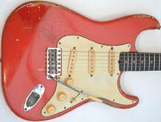 Fender Stratocaster 1961 Fiesta Red Original Vintage Guitar - I love this color. Fender Bass Guitar, Fender Electric Guitar, Vintage Electric Guitars, Fender Guitars, Vintage Guitars, Leo Fender, Acoustic Guitars, Fender Stratocaster, Gretsch