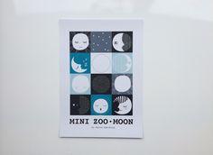 Mini Zoo ABC – Grafisk plakat med måne – A3 - Tinga Tango Designbutik - #minizoo#plakat#grafisk#børn#børneværelse