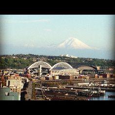 Mt-Rainier, Safeco Field, Quest Field ... Seattle, WA