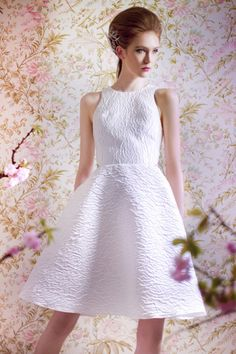 dc48f0f3f37 20 Gorgeous Short Wedding Dresses - Short Designer Wedding Gowns - Elle  Short Designer Wedding Dresses