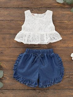 Discover the latest the Toddler Girls Lace Peplum Top With Frill Trim Denim Shorts at SHEIN, shop weekly updated Toddler Girl Two-piece Outfits and get inspired by the greatest styles. Baby Girl Dress Design, Baby Girl Dress Patterns, Little Girl Dresses, Girls Dresses, Toddler Fashion, Kids Fashion, Cute Outfits For Kids, Cute Baby Clothes, Lace Peplum
