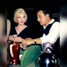 """Marilyn with Gene Kelly oh the set of """"Let's Make Love"""". ❤  #MarilynMonroe #NormaJeane #Hollywood #classic #vintage #1950s #OldHollywood #1960s #immortal #instacool #instadaily #instalike #l4l #s4s #icon #idol #Marilynette #Manroes #MM"""