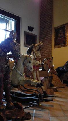 Children room - horses ready to start