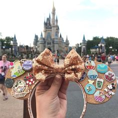 Custom Sequin Cork Pin Trading Mickey Ears Multi Color possible combinations Disney Minnie Mouse Ears, Diy Disney Ears, Disney Diy, Disney Crafts, Mickey Ears Diy, Disney Ears Headband, Disney Headbands, Ear Headbands, Cute Disney Outfits