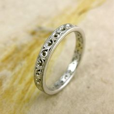 Handmade Floral Patterned Wedding Ring in White Gold with Scrolls and Mil Grain Detailing on Edges Size 5 Handgemachter Ehering mit Blumenmuster in von AdziasJewelryAtelier Pattern Floral, Motif Floral, Bling Bling, Jewelry Rings, Jewelry Accessories, Jewellery Box, Jewelry Ideas, Fine Jewelry, Fashion Jewellery
