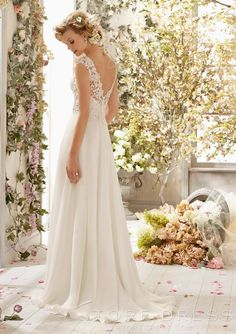Fabulous A-line Scoop Chiffon Lace Court Appliques Backless Wedding Dress - Storedress.com