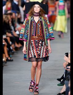Mexicano- Moda inspirada en el floclore mexicano.