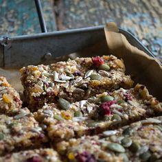 Quinoa, fruit & nut bars