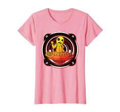 Dieses Fliegende Tripping Alien ist als Techno Geschenkidee für Männer, Frauen, Mädls und Jungs. Free Party Liebhaber, Raver EDM Fanatiker, Freundin, Freund, Familie, Kollektiv, das System. Jeder DJ mit einem Live-Set sollte so ein Alien besitzen. #rave #alien #ufo #farbe #party #frauenshirt Acid House, Ufo, Rave, Techno Party, Shirt Dress, T Shirts For Women, Kollektiv, Mens Tops, How To Wear