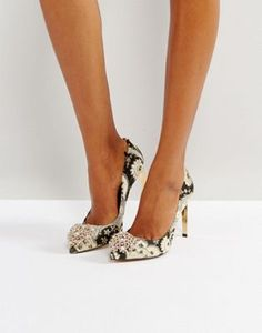 ada23604b6ed Ted Baker Peetch Ornate Paisley Embellished Court Shoes