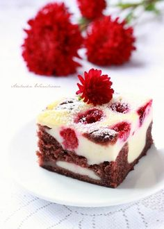 Chocolate Cake with Yogurt and Raspberries Cake Recipes, Dessert Recipes, Sweets Cake, Polish Recipes, Dessert Bars, Us Foods, Cheesecake, Food Porn, Food And Drink
