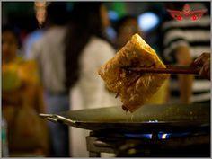 Taste awesome Kolkata street food, especially the quintessential Mughlai paratha!