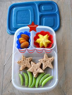3 Star Labor Day plant based vegan lunch bento box in Daycare Meals, Kid Lunches, Lunch Snacks, School Lunches, Bento Ideas, Lunch Ideas, Food Ideas, Healthy Meals For Kids, Kids Meals